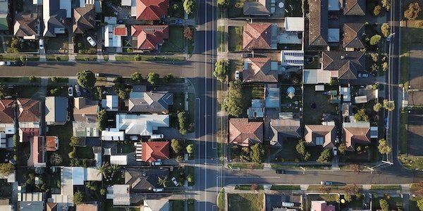 Le prix médian des maisons dans le Grand Montréal a augmenté de 100 000 $ depuis un an