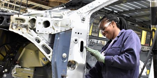 L'aide de 295 millions $ accordée par Ottawa à une usine de Ford en Ontario fait rêver au Québec