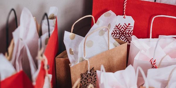 Noël se passera en famille, les cadeaux seront plus modestes et achetés à peu près tous au même endroit