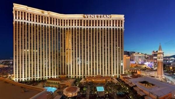 Un des plus importants propriétaires d'hôtels à Las Vegas veut maintenant se défaire de ses casinos