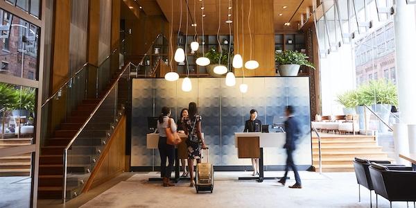 Le gouvernement Legault allonge 65 millions $ pour venir en aide aux petits établissements hôteliers