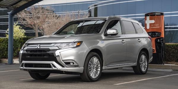 S'ils sont plus polluants que prévu, les véhicules hybrides branchables méritent-ils une aide financière à l'achat?