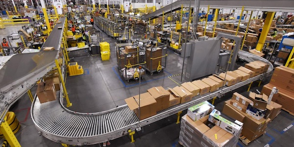 Amazon va ouvrir au Québec un nouveau centre de tri et trois centres de livraison