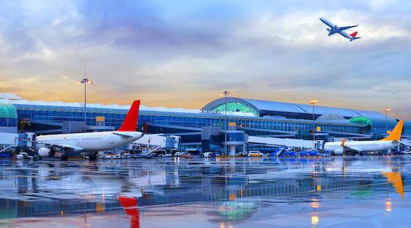 Les compagnies aériennes ne sortiront pas de la zone de turbulence Covid avant la fin 2021, selon des experts
