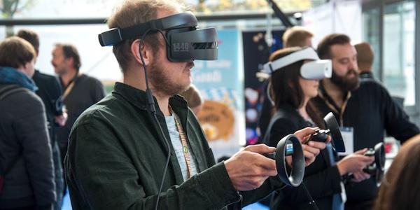 Apple songerait à commercialiser un casque de réalité virtuelle à partir de l'an prochain