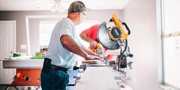 Rénover ou acheter une maison neuve pourrait coûter plus cher en raison d'une pénurie de matériaux de construction