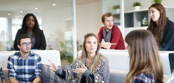 Les femmes gagnent encore moins que les hommes