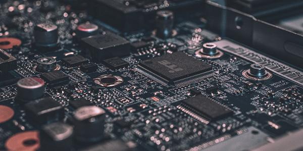Les fabricants québécois d'appareils électroniques sont à l'abri de la pénurie mondiale de puces informatiques… pour l'instant