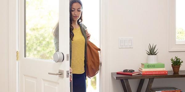 Une serrure connectée pour la maison vous permettra de laisser vos clés dans le tiroir