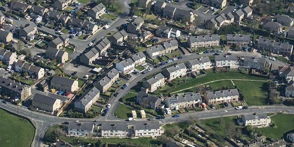 Les prix des maisons au Canada auraient peu de chances de redescendre à moyen terme