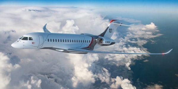 Dassault dévoile son avion d'affaires Falcon 10X, concurrent direct de Bombardier