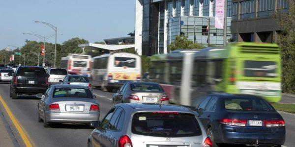 À Québec, le transport en voiture coûterait 5 fois plus cher à la société que le transport collectif
