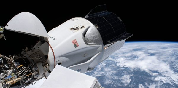 Un vaisseau SpaceX a ramené quatre astronautes sur Terre