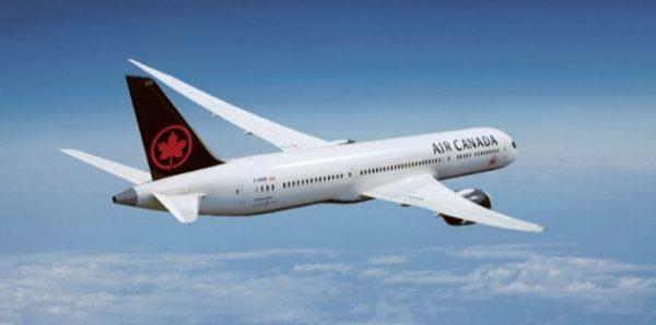 Les hauts dirigeants d'Air Canada renoncent à leurs primes