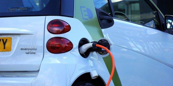 Pour que le Canada soit carboneutre en 2050, 70% des voitures vendues en 2030 devront être à zéro émission