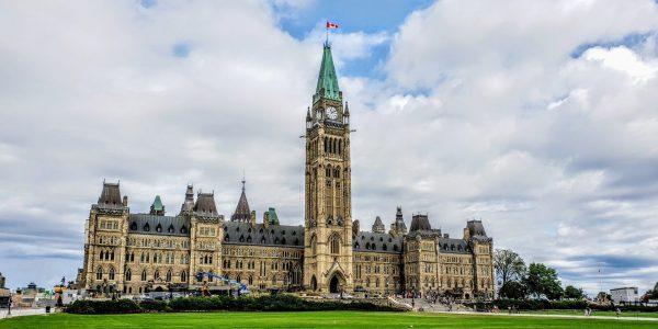 Un impôt unique sur les grandes fortunes pourrait rapporter 61 milliards $ à Ottawa