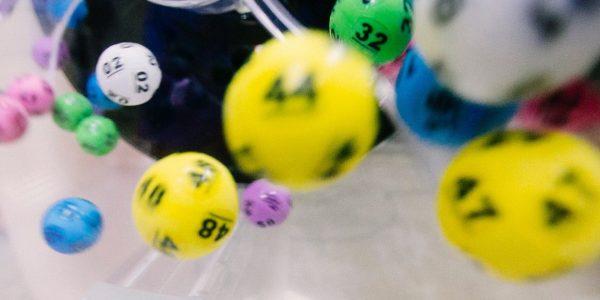 Qui peut gagner à la loterie Covid et comment s'inscrire pour participer?