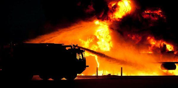 Canicules et incendies: doit-on maintenant parler d'urgence climatique?