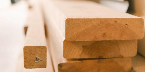 Les prix du bois d'œuvre sont brutalement retombés