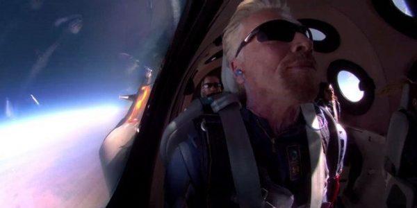Première sortie dans l'espace réussie pour Richard Branson