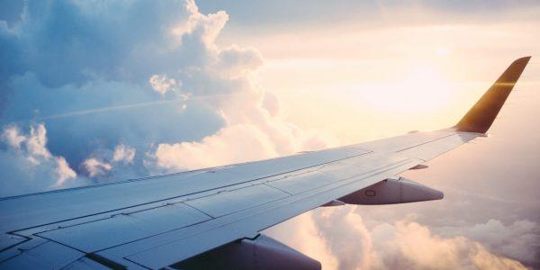 Les principaux transporteurs aériens veulent être carboneutres d'ici 2050