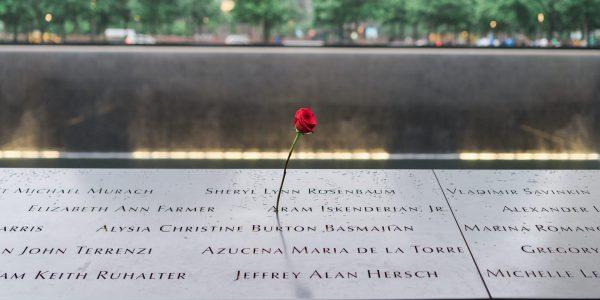 Deux décennies plus tard, les États-Unis se souviennent du 11 septembre