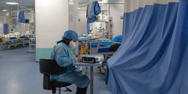 Les 20000 travailleurs non vaccinés quitteront le réseau, assure Dubé